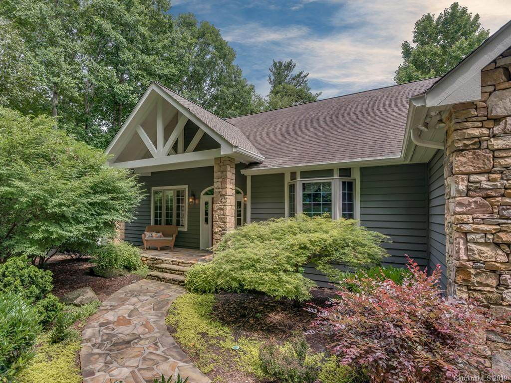 123 Chattooga Run, Hendersonville, NC 28739 (#3494251) :: Bluaxis Realty