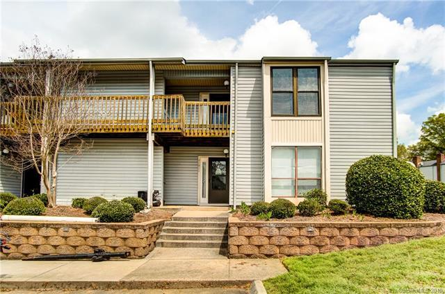 11015 Harrowfield Road, Charlotte, NC 28226 (#3494619) :: Homes Charlotte