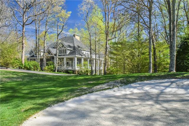 229 Pine Shadow Drive, Hendersonville, NC 28739 (#3494637) :: Scarlett Real Estate