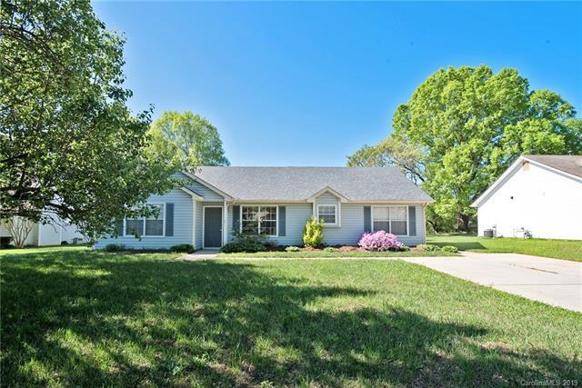 16515 Glenfurness Drive, Huntersville, NC 28078 (#3494936) :: Rinehart Realty