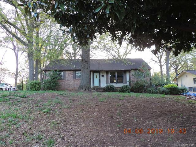 3010 Barfield Drive, Charlotte, NC 28217 (#3495091) :: Stephen Cooley Real Estate Group