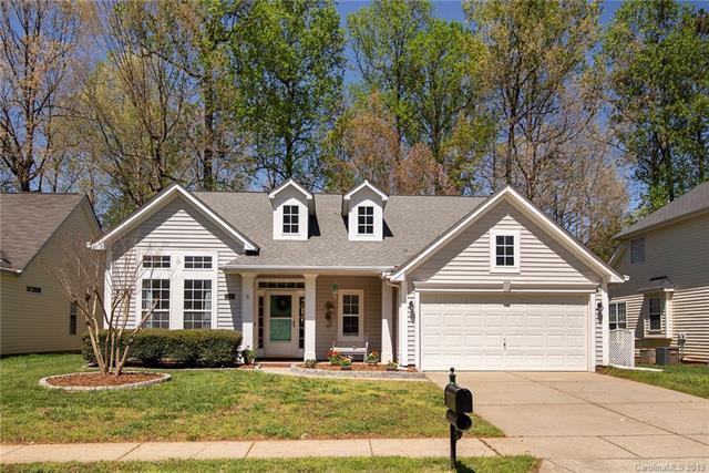 8237 Chatham Oaks Drive, Concord, NC 28027 (#3495128) :: Rinehart Realty