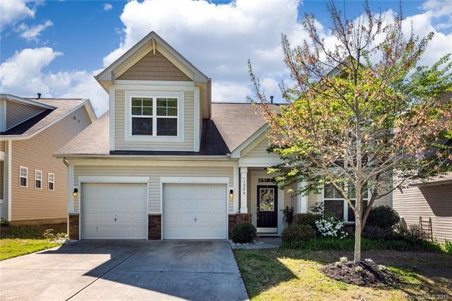 1204 Woodglen Lane, Matthews, NC 28104 (#3495138) :: Rinehart Realty