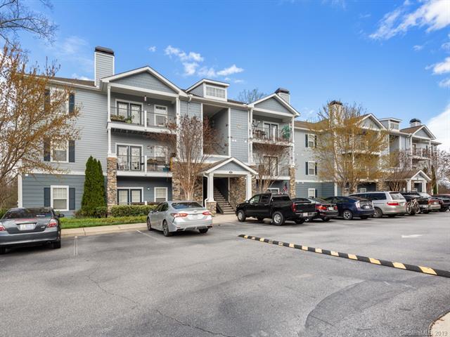 400 Vista Lake Drive #4, Candler, NC 28715 (#3495261) :: Homes Charlotte