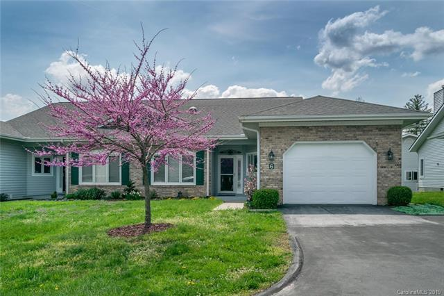 6 Country Meadows Lane, Hendersonville, NC 28792 (#3495333) :: IDEAL Realty