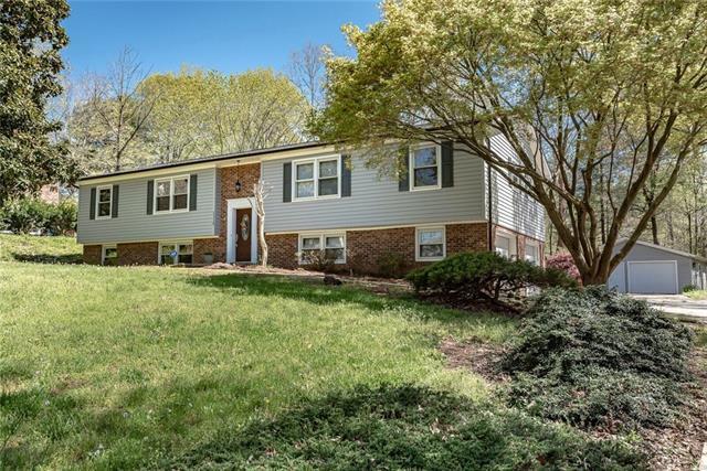 1310 36th Avenue NE, Hickory, NC 28601 (#3495365) :: High Performance Real Estate Advisors