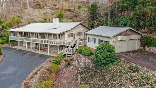 635 Country Club Drive, Maggie Valley, NC 28751 (#3495396) :: Odell Realty