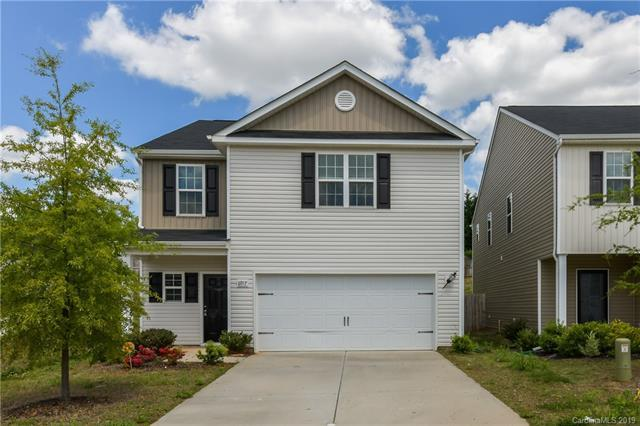 6917 Agava Lane, Charlotte, NC 28215 (#3495656) :: The Premier Team at RE/MAX Executive Realty