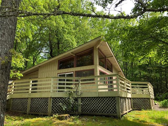 1033 N East Shore Drive, Lake Toxaway, NC 28747 (#3495668) :: Bluaxis Realty