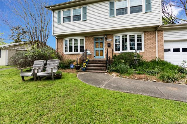 1213 Ashbrook Place, Charlotte, NC 28209 (#3495688) :: Odell Realty