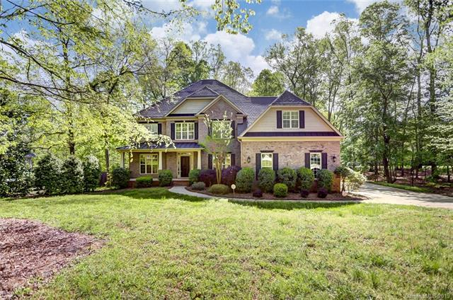 9824 Thornridge Drive, Indian Trail, NC 28079 (#3496162) :: Rinehart Realty