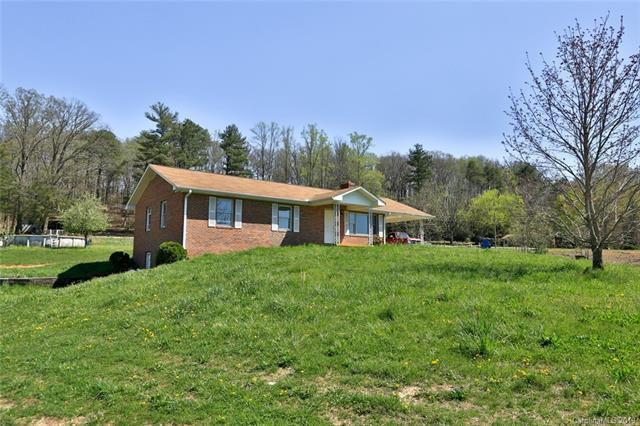 2025 Gilliam Mountain Road, Hendersonville, NC 28792 (#3496304) :: DK Professionals Realty Lake Lure Inc.