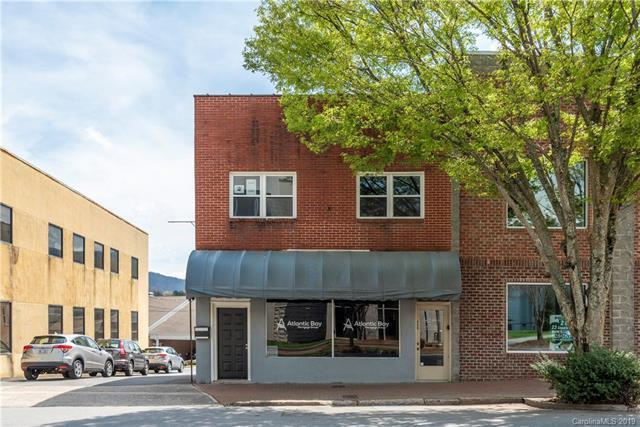 244 N Main Street, Waynesville, NC 28786 (#3496306) :: LePage Johnson Realty Group, LLC