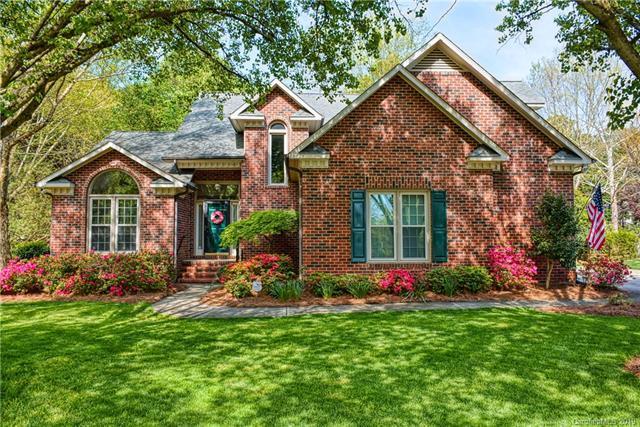 8815 Taunton Drive, Huntersville, NC 28078 (#3496556) :: High Performance Real Estate Advisors