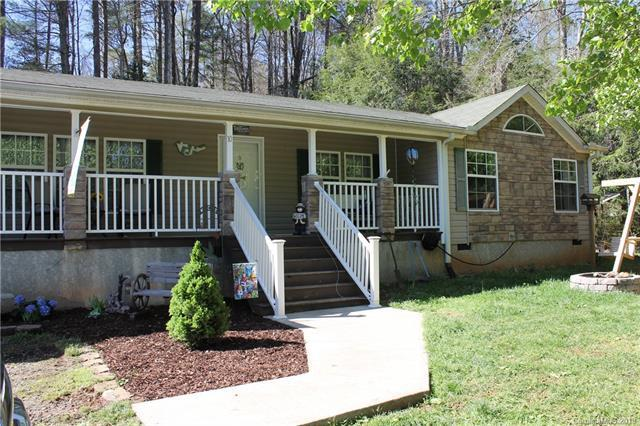 10 Lake Sega Road, Brevard, NC 28712 (#3496616) :: Exit Mountain Realty