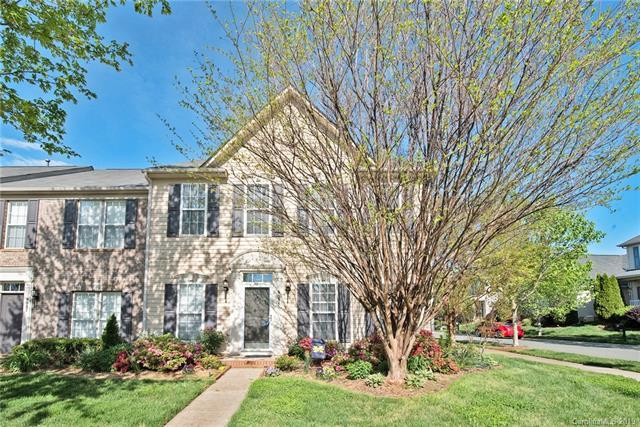 9035 Cool Meadow Drive, Huntersville, NC 28078 (#3496773) :: Odell Realty