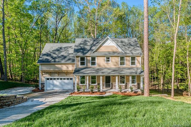 3952 Fox Run Road, Matthews, NC 28104 (#3496984) :: LePage Johnson Realty Group, LLC