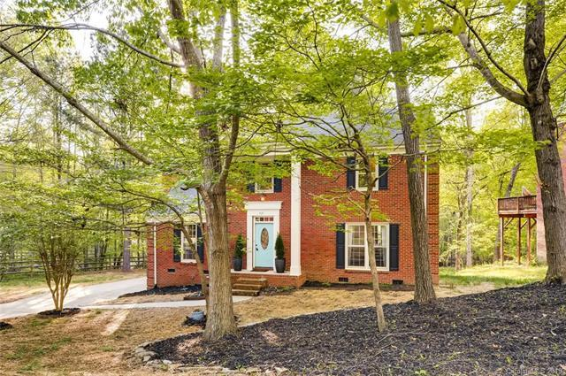 328 Foxfield Lane, Matthews, NC 28105 (#3497028) :: Mossy Oak Properties Land and Luxury