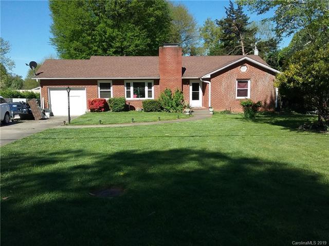 4708 Shattalon Drive, Winston Salem, NC 27106 (#3497267) :: MECA Realty, LLC