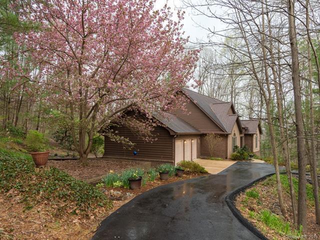 129 Stonebridge Drive, Flat Rock, NC 28739 (#3497334) :: Washburn Real Estate