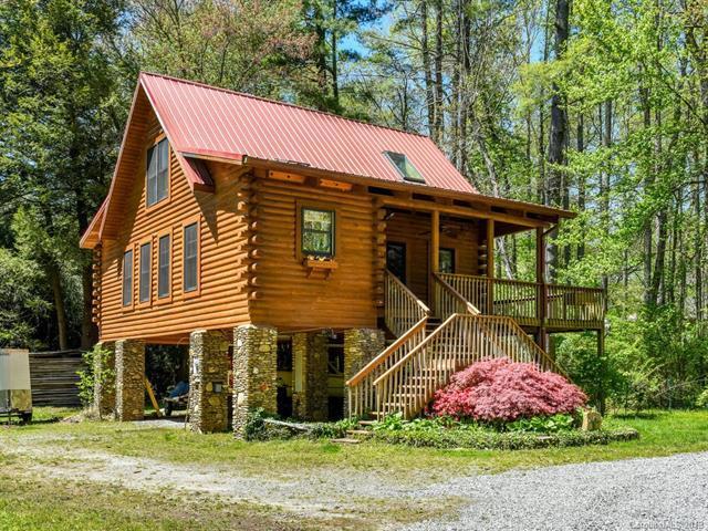 699 N Oconeechee Avenue, Black Mountain, NC 28711 (#3497360) :: Keller Williams Professionals