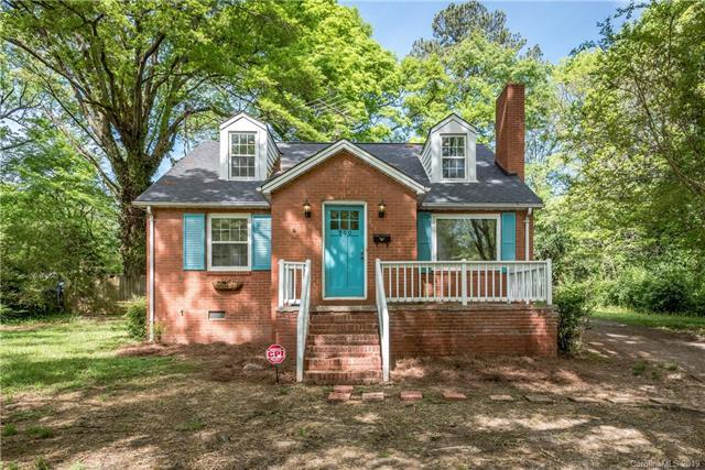 900 Crestmere Street, Charlotte, NC 28208 (#3497434) :: LePage Johnson Realty Group, LLC