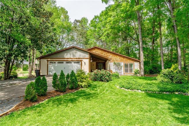 7357 Elwood Drive, Charlotte, NC 28227 (#3497681) :: High Performance Real Estate Advisors