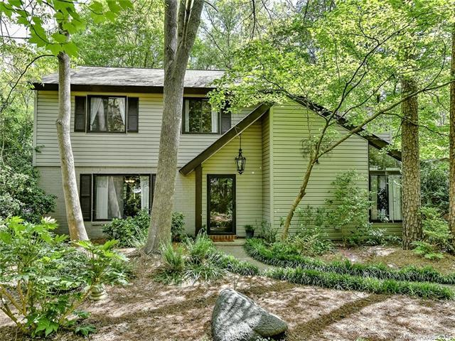 6901 Valley Haven Drive, Charlotte, NC 28211 (#3497693) :: LePage Johnson Realty Group, LLC