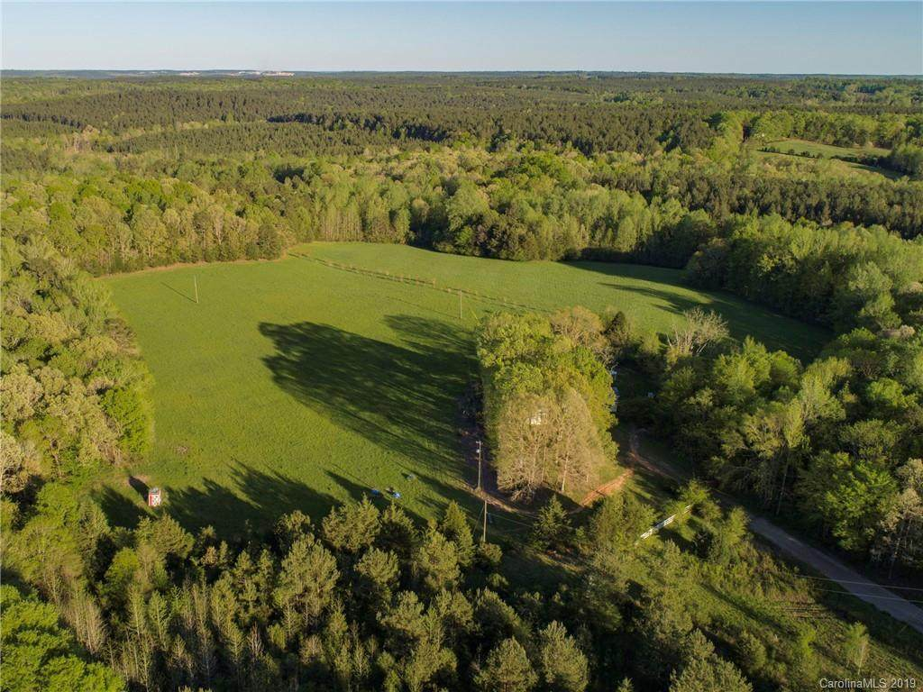 599 Charlie Stacks Road, Lancaster, SC 29720 (#3497896) :: Mossy Oak Properties Land and Luxury