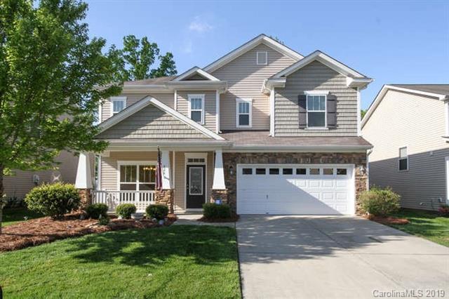 826 Traditions Park Drive, Pineville, NC 28134 (#3497950) :: Rinehart Realty