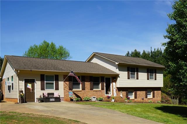 374 Howards Creek School Road, Lincolnton, NC 28092 (#3497952) :: Mossy Oak Properties Land and Luxury