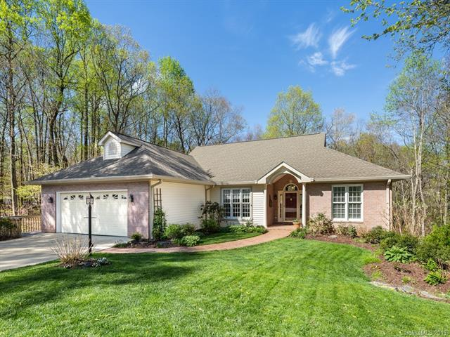 351 W Shay Circle, Hendersonville, NC 28791 (#3497978) :: The Ann Rudd Group