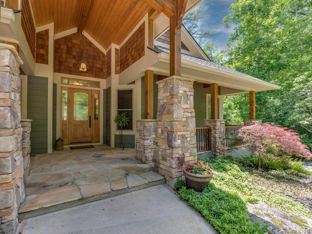 100 Prickly Briar Road, Hendersonville, NC 28739 (#3497991) :: Washburn Real Estate
