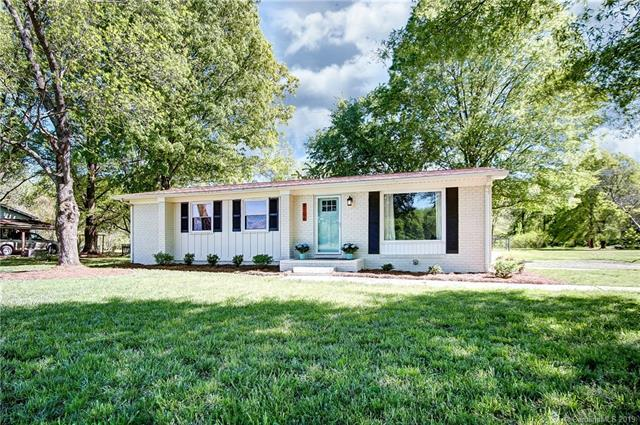 8106 Indian Trail Fairview Road, Indian Trail, NC 28079 (#3498117) :: Washburn Real Estate
