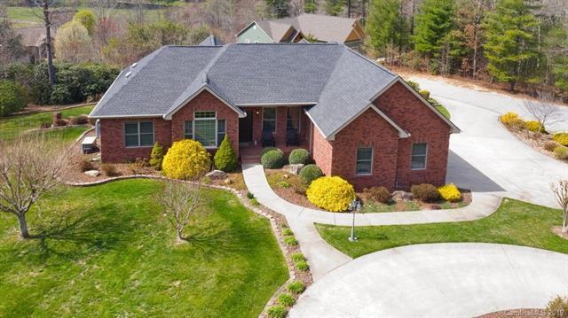 28 Tudor Crescent Court, Hendersonville, NC 28739 (#3498152) :: Washburn Real Estate