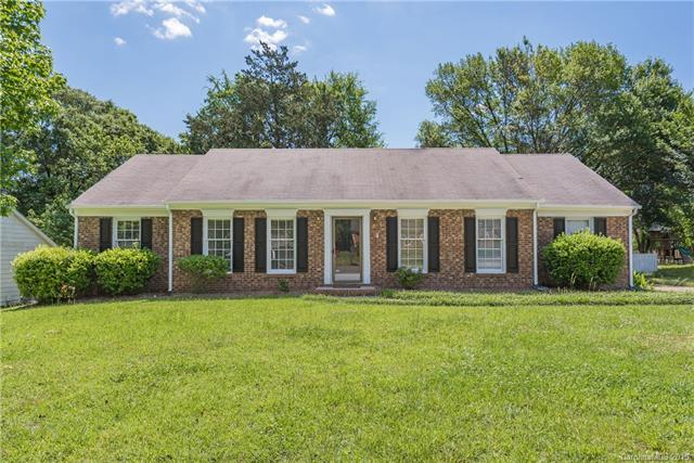 7409 Doves Nest Circle, Charlotte, NC 28226 (#3498153) :: Carlyle Properties