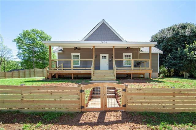 2660 Roslyn Avenue, Charlotte, NC 28208 (#3498257) :: Homes Charlotte
