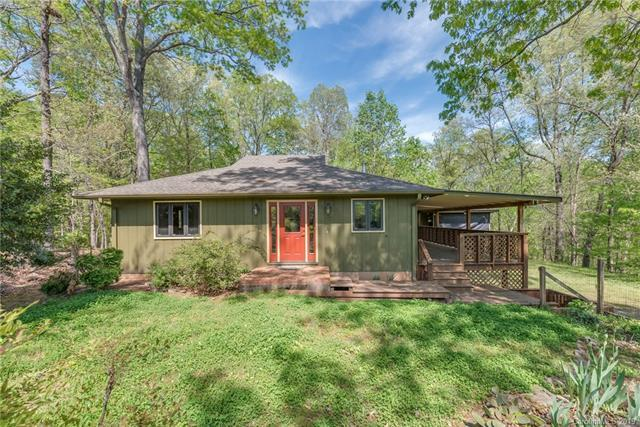 3171 Hunting Country Road, Tryon, NC 28782 (#3498432) :: Washburn Real Estate