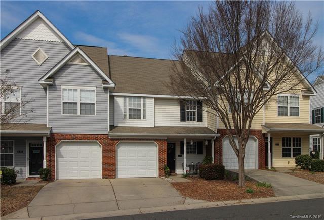 813 Rock Lake Glen Road, Fort Mill, SC 29715 (#3498435) :: MartinGroup Properties