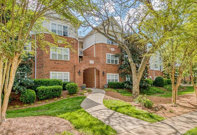 5730 Closeburn Road G, Charlotte, NC 28210 (#3498542) :: Scarlett Real Estate