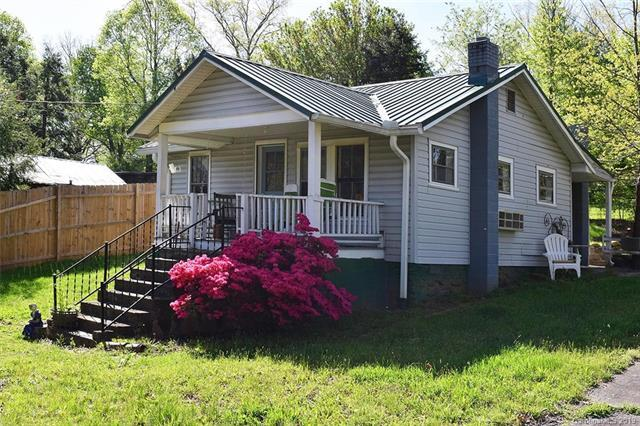 220 W College Street, Black Mountain, NC 28711 (#3498595) :: Cloninger Properties