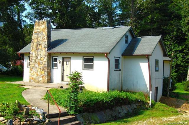 420 E Patterson Street, Hendersonville, NC 28739 (#3498616) :: Homes Charlotte