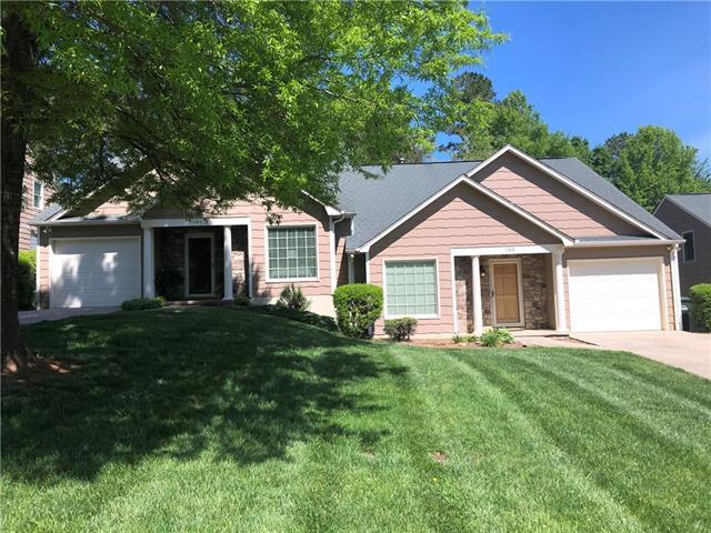 150 39th Avenue Court NW, Hickory, NC 28601 (#3498622) :: Bluaxis Realty