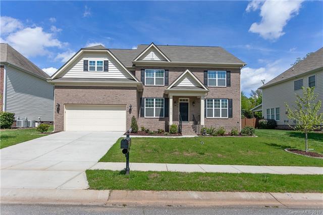 10140 Stewarton Lane, Charlotte, NC 28269 (#3498632) :: Washburn Real Estate