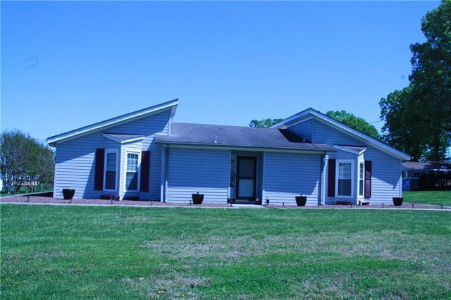 3318 Willard Street, Claremont, NC 28610 (#3498917) :: Exit Realty Vistas