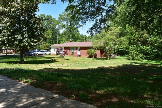 3917 Arvin Drive, Charlotte, NC 28269 (#3498990) :: LePage Johnson Realty Group, LLC