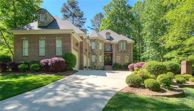 7003 Montgomery Road, Lake Wylie, SC 29710 (#3499113) :: Charlotte Home Experts