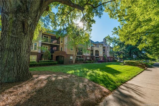 1109 E Morehead Street #4, Charlotte, NC 28204 (#3499139) :: Odell Realty