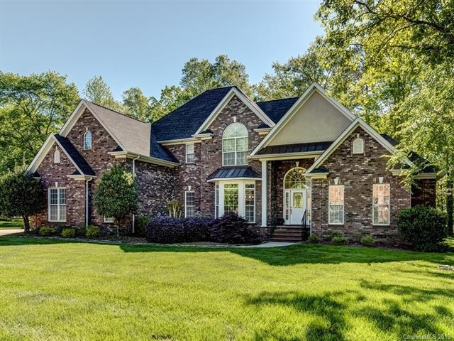 2824 Chip Shot Drive, Matthews, NC 28104 (#3499225) :: The Ramsey Group