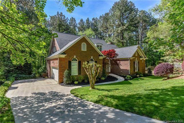 4318 Mountain Cove Drive, Charlotte, NC 28216 (#3499384) :: High Performance Real Estate Advisors